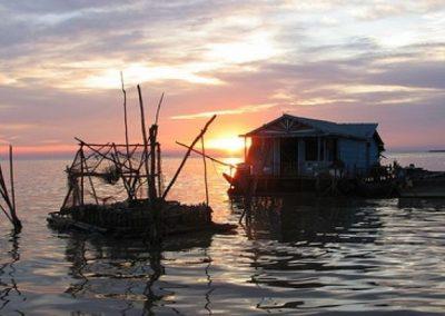Boat trip- sunset-tour-on-tonle-sap-lake-Floating villae