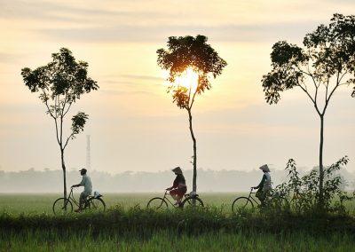 bicycle-riding-bike-vietnam-cambodia -adventure asia travel