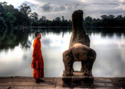 angkor-wat-buddhist-monk-1920x1280
