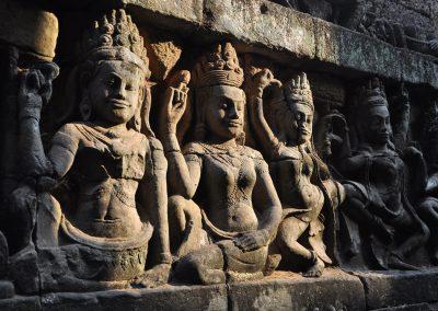 angkor-wat-hinduismus-statue-1920x1280