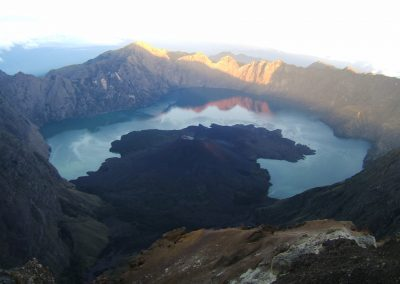 Rinjani_Volcano,_Lombok-Indonesia